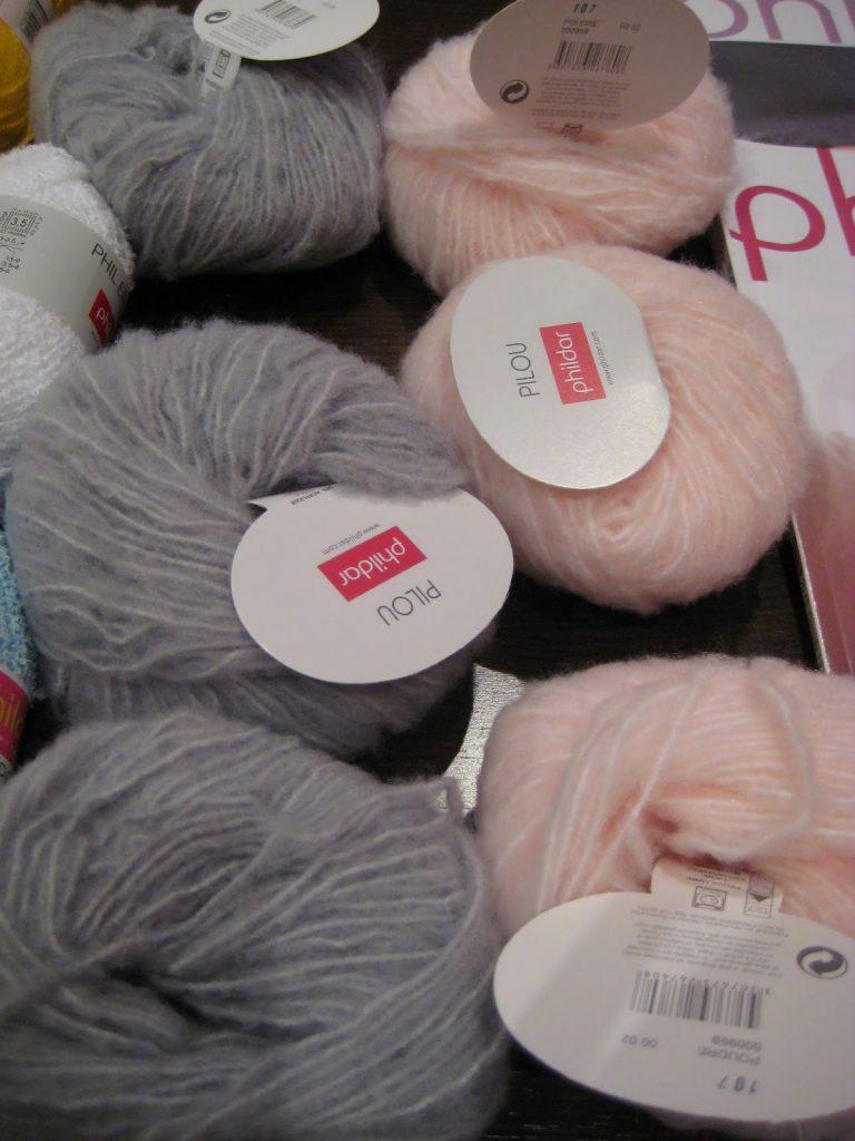 mis nancys, mis peques y yo, lana gris y rosa
