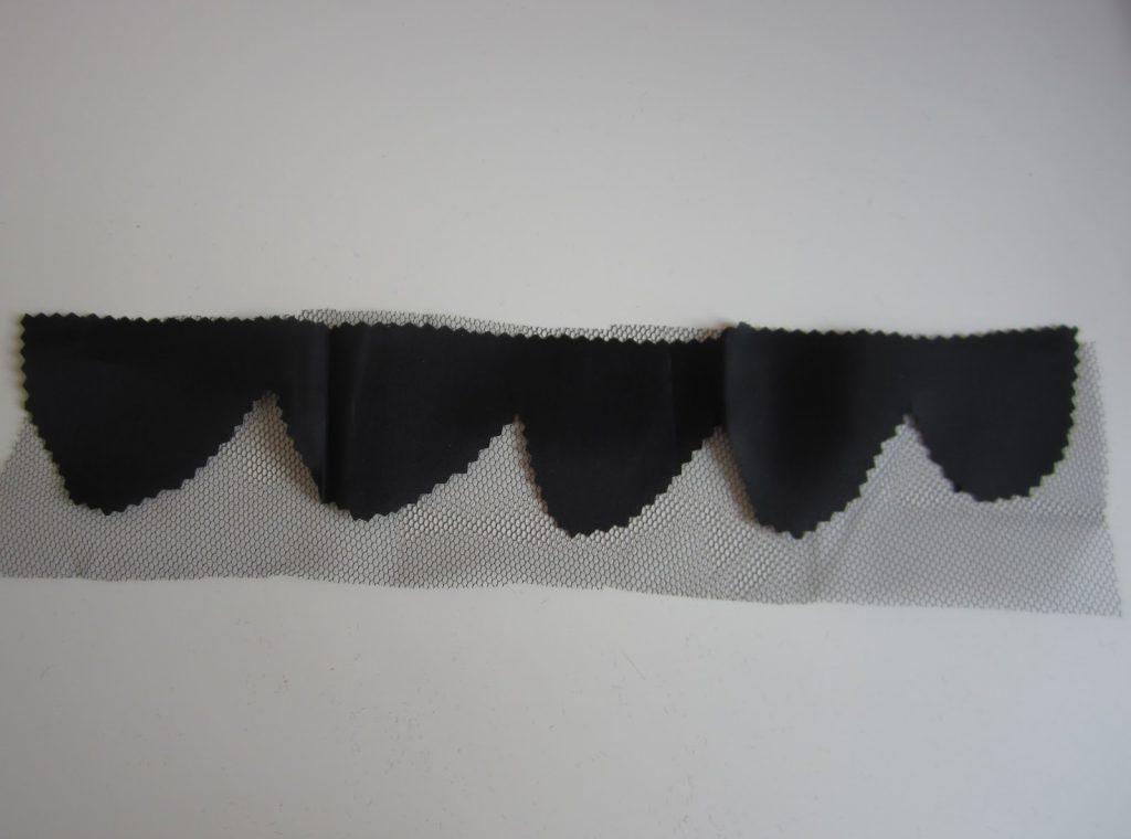 mis nancys, mis peques y yo, tutorial facil DIY tul y tela petalos juntos