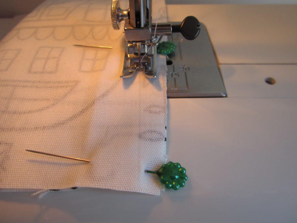 mis nancys, mis peques y yo, tutorial funda de cojin coser laterales maquina