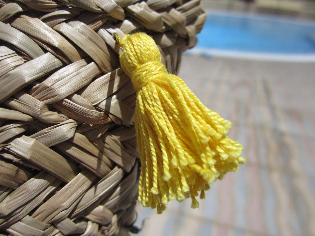 mis nancys, mis peques y yo, tutorial DIY cesta playera borla color