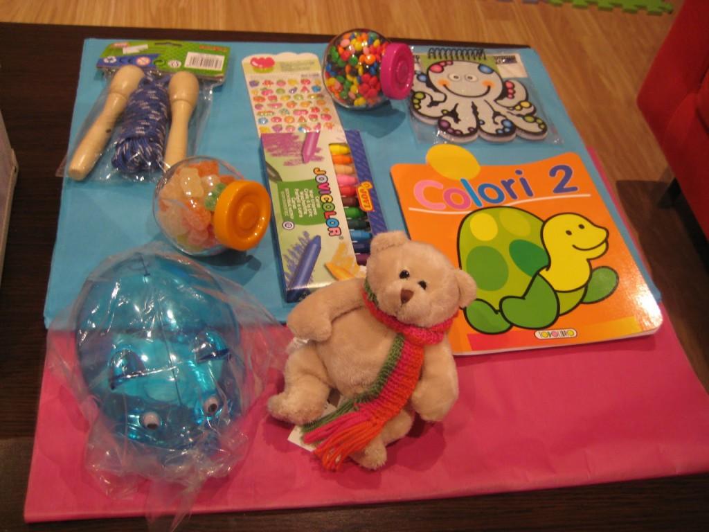 mis nancys, mis peques y yo, bufanda tricolor niña caja regalo cositas