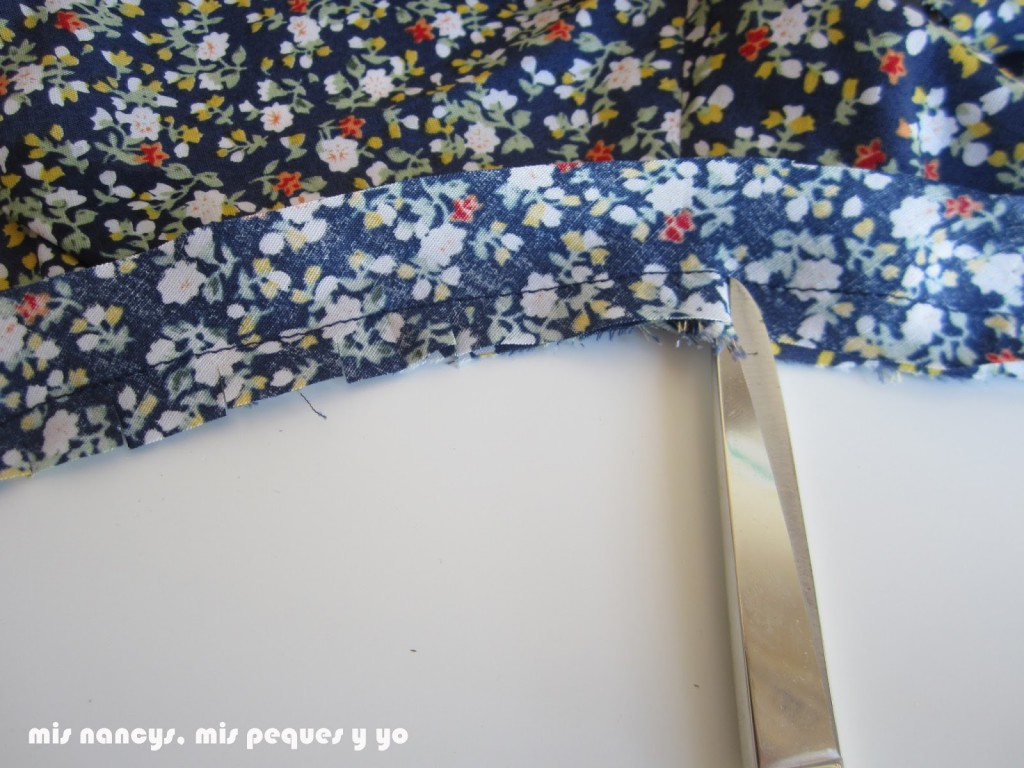 mis nancys, mis peques y yo, tutorial blusa sin mangas niña (patrón gratis), piquetear sisas
