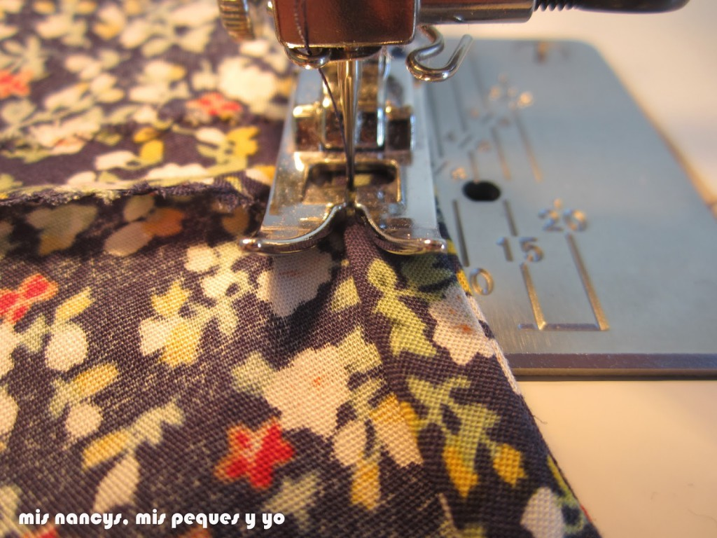 mis nancys, mis peques y yo, tutorial blusa sin mangas niña (patrón gratis), coser bies sisas al filo