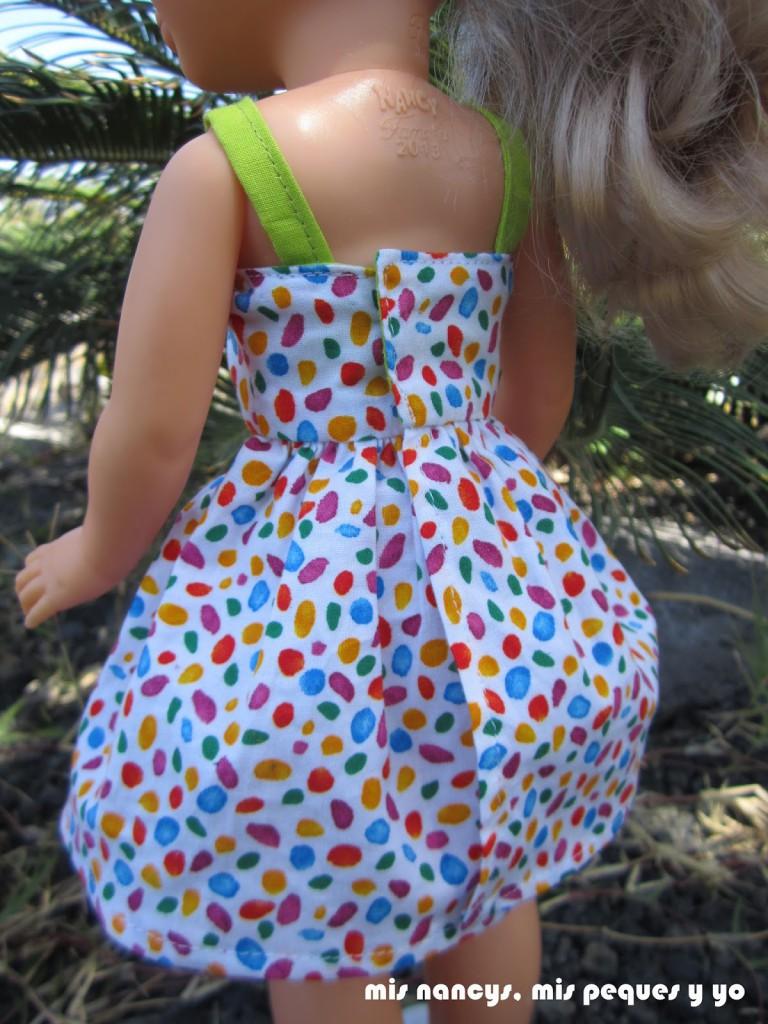 mis nancys, mis peques y yo, vestidos primavera para nancy de anilegra, detalle cierre trasero