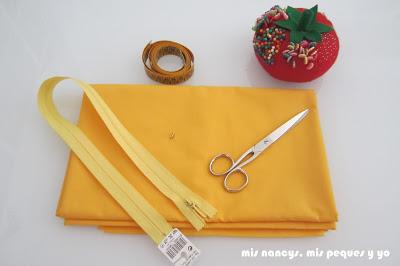 mis nancys, mis peques y yo, tutorial DIY funda de cojín sencilla con cremallera y volante, materiales