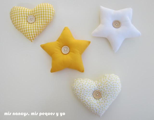 mis nancys, mis peques y yo, colgantes de tela para habitación infantil, estrella y corazón, con botones de madera