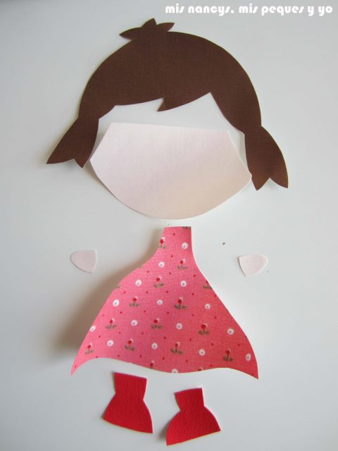 mis nancys, mis peques y yo, tutorial aplique en camiseta muñequita, recortar las piezas por la linea