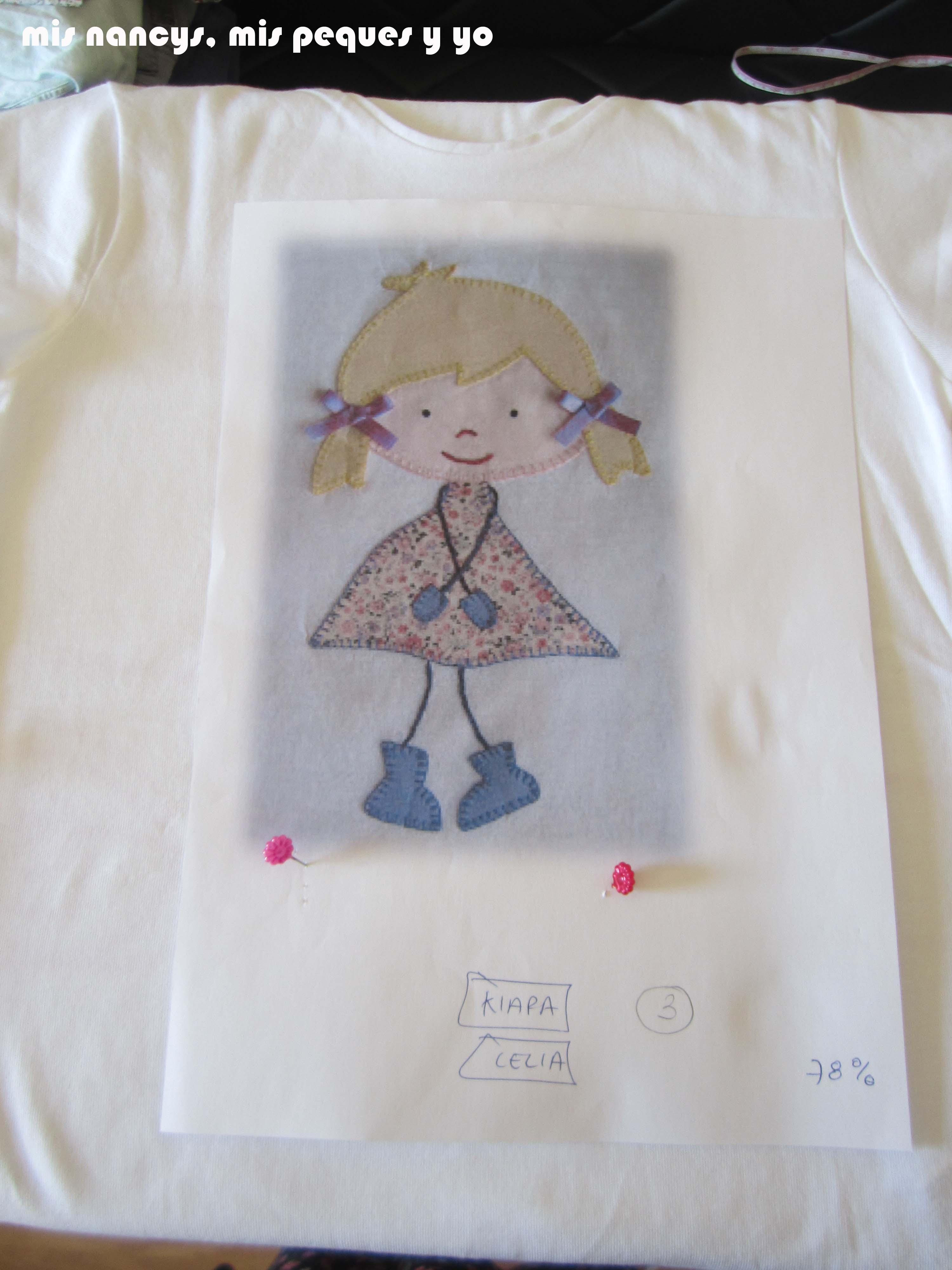 mis nancys, mis peques y yo, tutorial aplique en camiseta muñequita, situar patron sobre camiseta