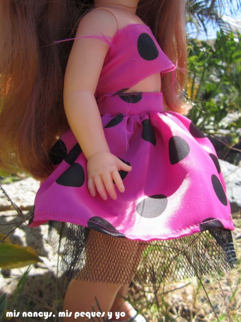 mis nancys, mis peques y yo, Tutorial falda fruncida con tul para Nancy y niñas, Nancy con su falda nueva