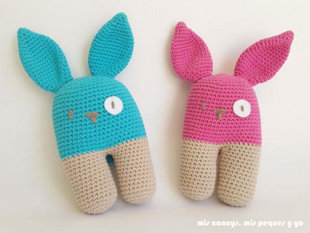 mis nancys, mis peques y yo, conejo bípedo amigurumi, pareja de conejos azul y rosa
