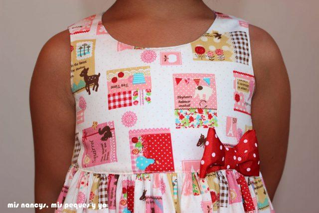 mis nancys, mis peques y yo, vestido everyday dress de Cosotela, detalle delantero como queda vestido rosa