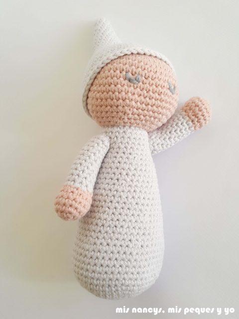 mis nancys, mis peques y yo, bebé dormilón amigurumi con patrón gratuito de lanas y ovillos,
