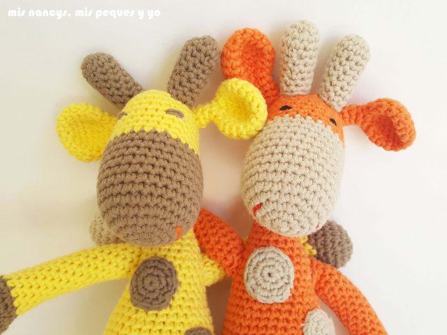 mis nancys, mis peques y yo,pareja jirafa amigurumi, jirafa amarilla y naranja selfie
