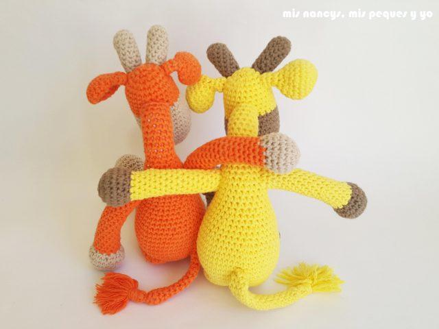 mis nancys, mis peques y yo,pareja jirafa amigurumi, jirafa amarilla y naranja, detalle parte trasera