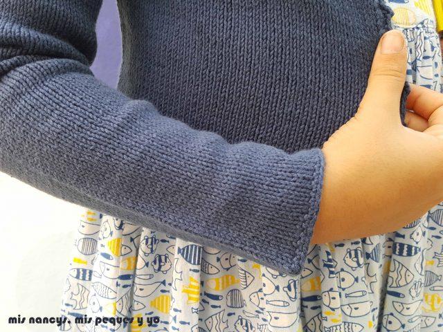 mis nancys, mis peques y yo, rebeca de punto para niña, detalle manga con remate de puntos bajos de ganchillo