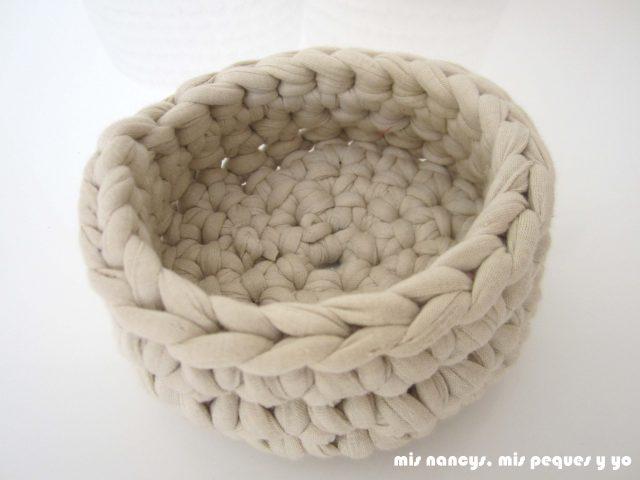mis nancys, mis peques y yo, juego de tres cestas de trapillo redondas, detalle remate borde superior