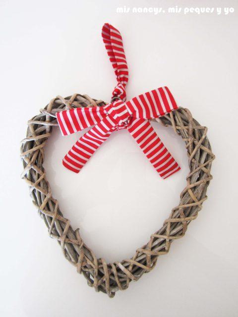 mis nancys, mis peques y yo, juego de tres cestas de trapillo redondas, corazon trenzado de madera