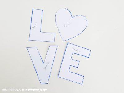 mis nancys, mis peques y yo, tutorial aplique en camiseta love, recortamos las letras
